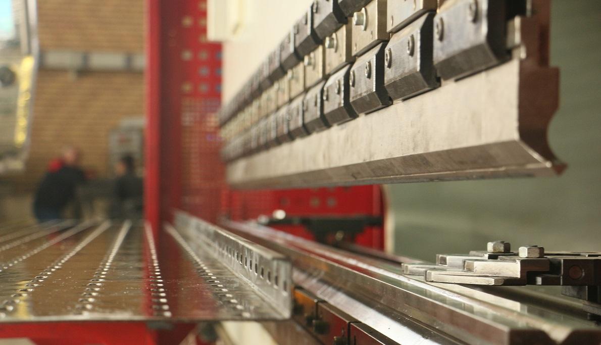 تولید سینی کابل با دستگاه پرس برک